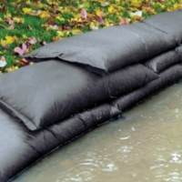 PIG® Water-Activated Flood Bag