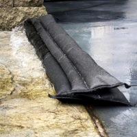 PIG® Water-Activated Flood Barrier