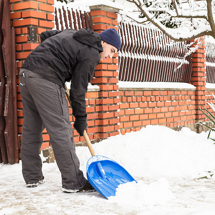 How to Keep Employees Safe During Winter