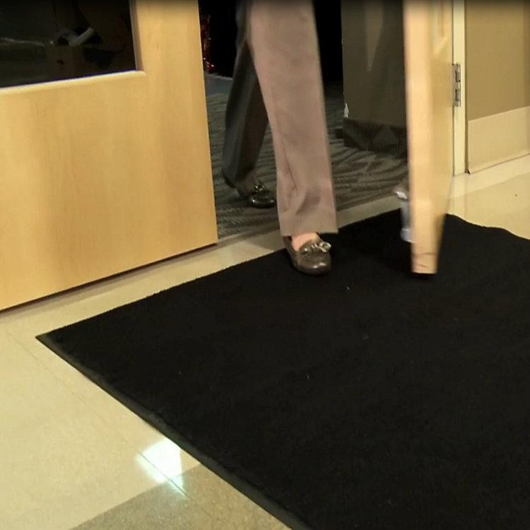 PIG® Grippy® Floor Mat Flat Out Beats Rental Mats